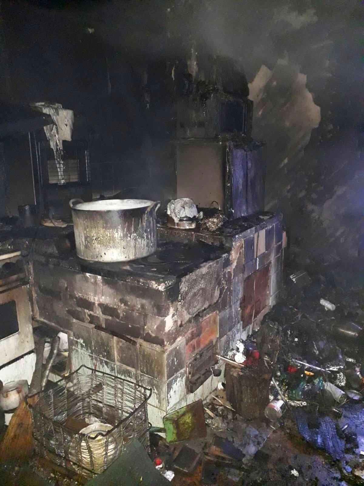 На Бородянщині через пожежу на кухні ледь не згоріла вся будівля - Пісківка - 01 2