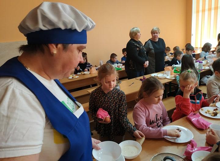 Нова система шкільного харчування на Вишгородщині: чи смачно? - РДА, київщина, відділ освіти, Вишгород - 0128 harchi kuhar