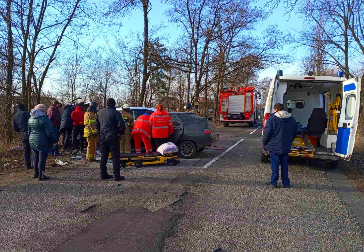 На Бородянщині сталося страхітливе ДТП: одну людину госпіталізовано - ДТП, Аварія - 02