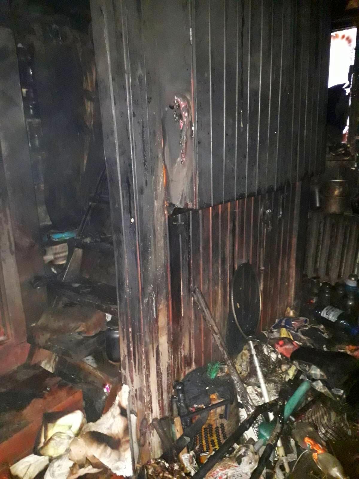 На Бородянщині через пожежу на кухні ледь не згоріла вся будівля - Пісківка - 03