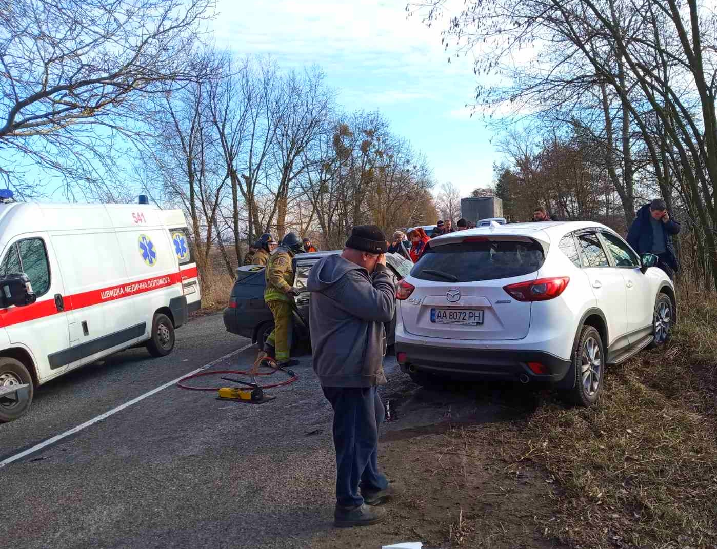 На Бородянщині сталося страхітливе ДТП: одну людину госпіталізовано - ДТП, Аварія - 04