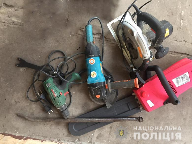 У Києві затримали дует крадіїв -  - 08.01.2020dnkrad04.01.20201