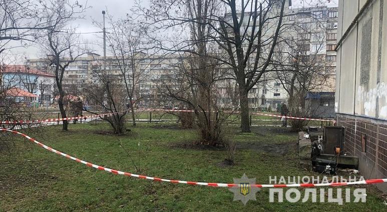У Києві на Оболоні виявлено тіла трьох чоловіків: причини смерті встановлюють -  - 10.01.2020oboltritrupa