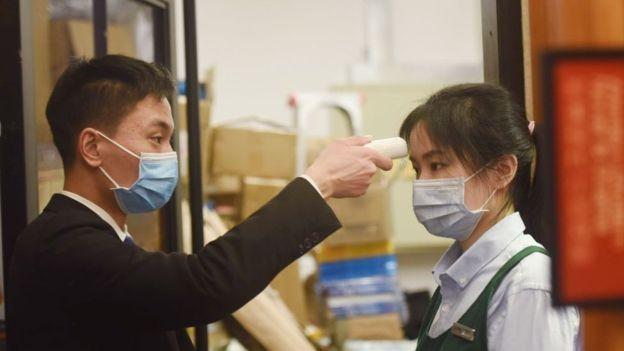 110672778_gettyimages-1196735764 Не по днях, а по годинах: понад 4500 заражених коронавірусом із Китаю