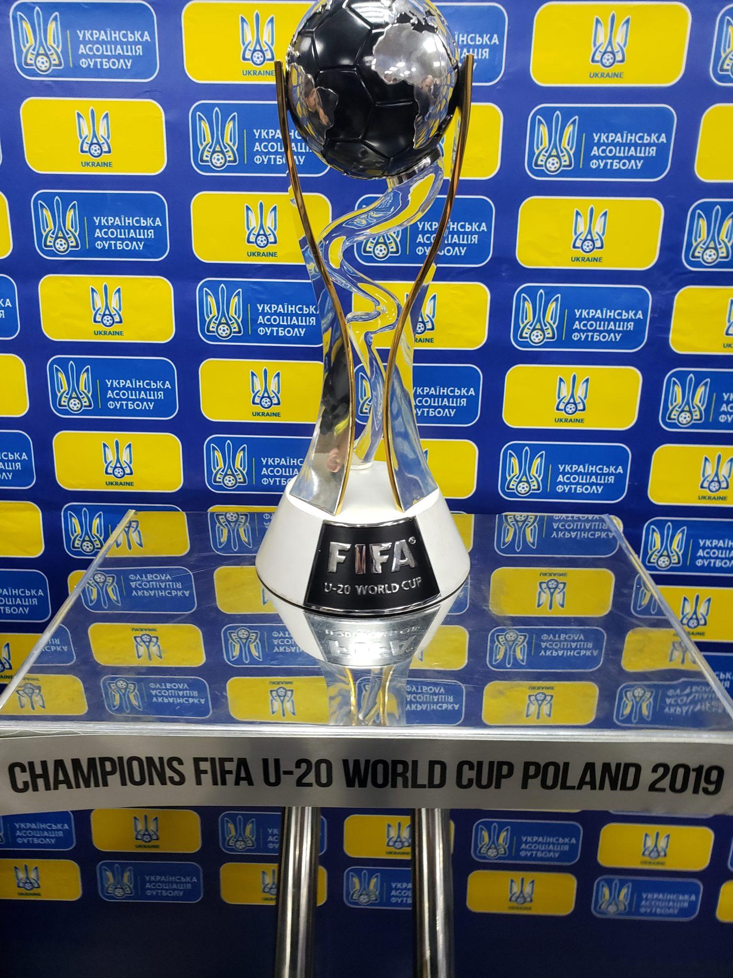 20200117_181313-1500x2000 Київська обласна федерація футболу відкрила новий офіс