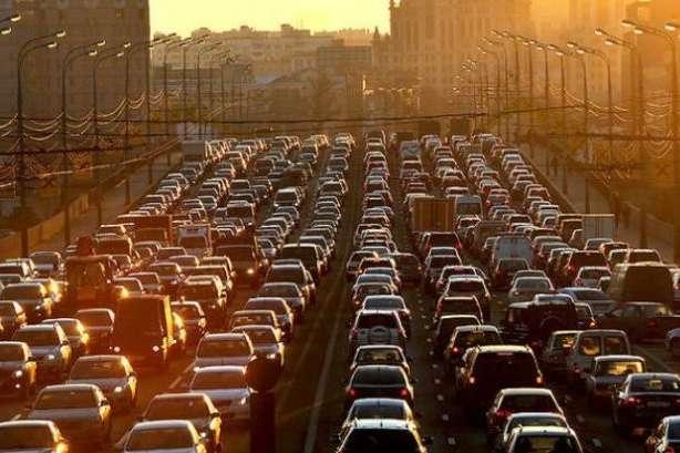 У Києві вперше за 28 років почали вимірювати трафік: столиця України – на 12 місці у світі за затримками - Київ - 20 main