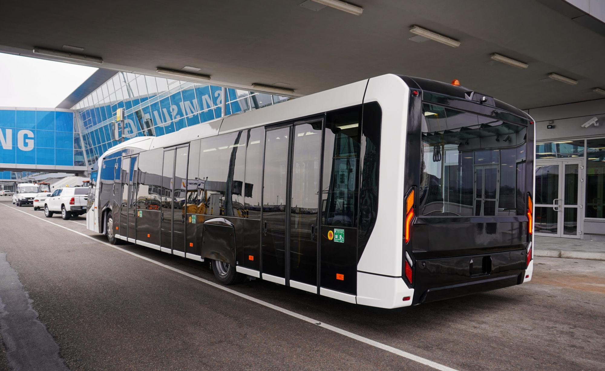 269-2000x1228 В аеропорту «Бориспіль» представили спеціалізований автобус білоруського виробництва