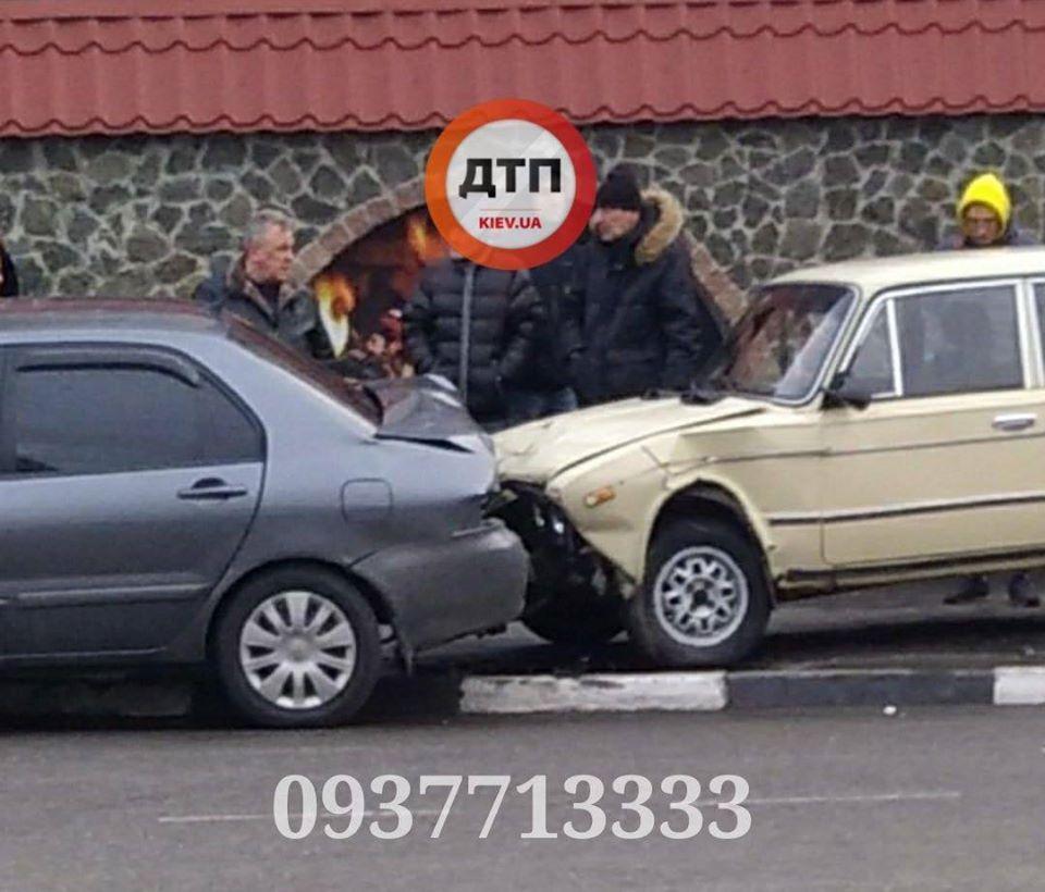 ДТП на тротуарі: на Бородянщині водій не впорався з керуванням - ДТП, Бородянка - 31 dtp