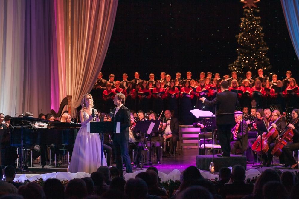 «Нові мелодії Різдвяної ночі»: столичний театр запрошує на колоритне музичне дійство -  - 3738
