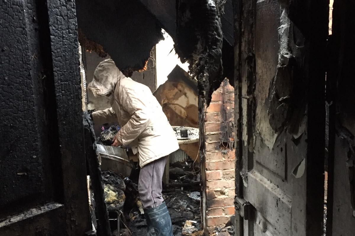 44978574_1579838273857145_r На Білоцерківщині загорівся будинок: родина з дітьми залишилась без даху над головою (ФОТО)