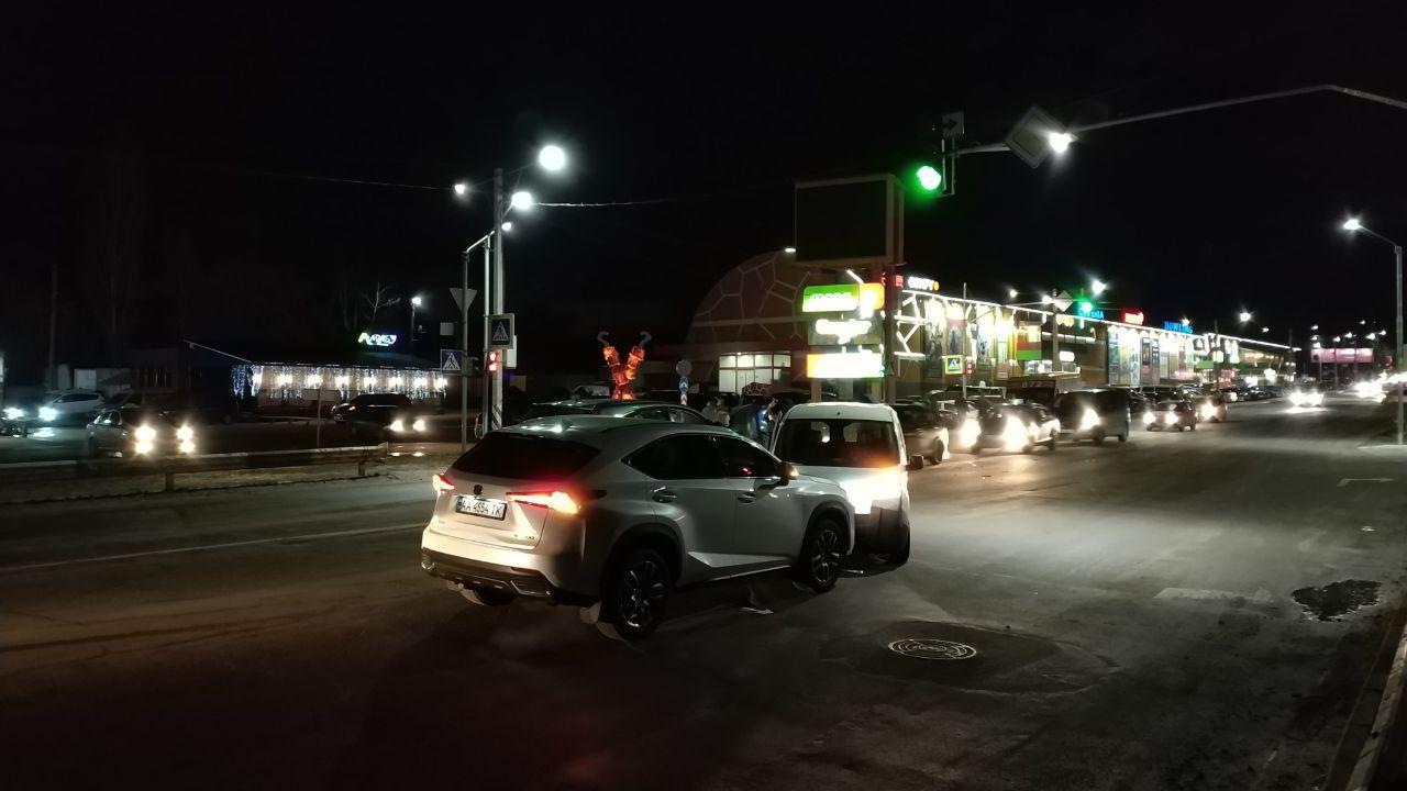 """Два дні поспіль між Ірпенем та Бучею біля ТРЦ """"Жираф"""" стаються аварії -  - 6"""