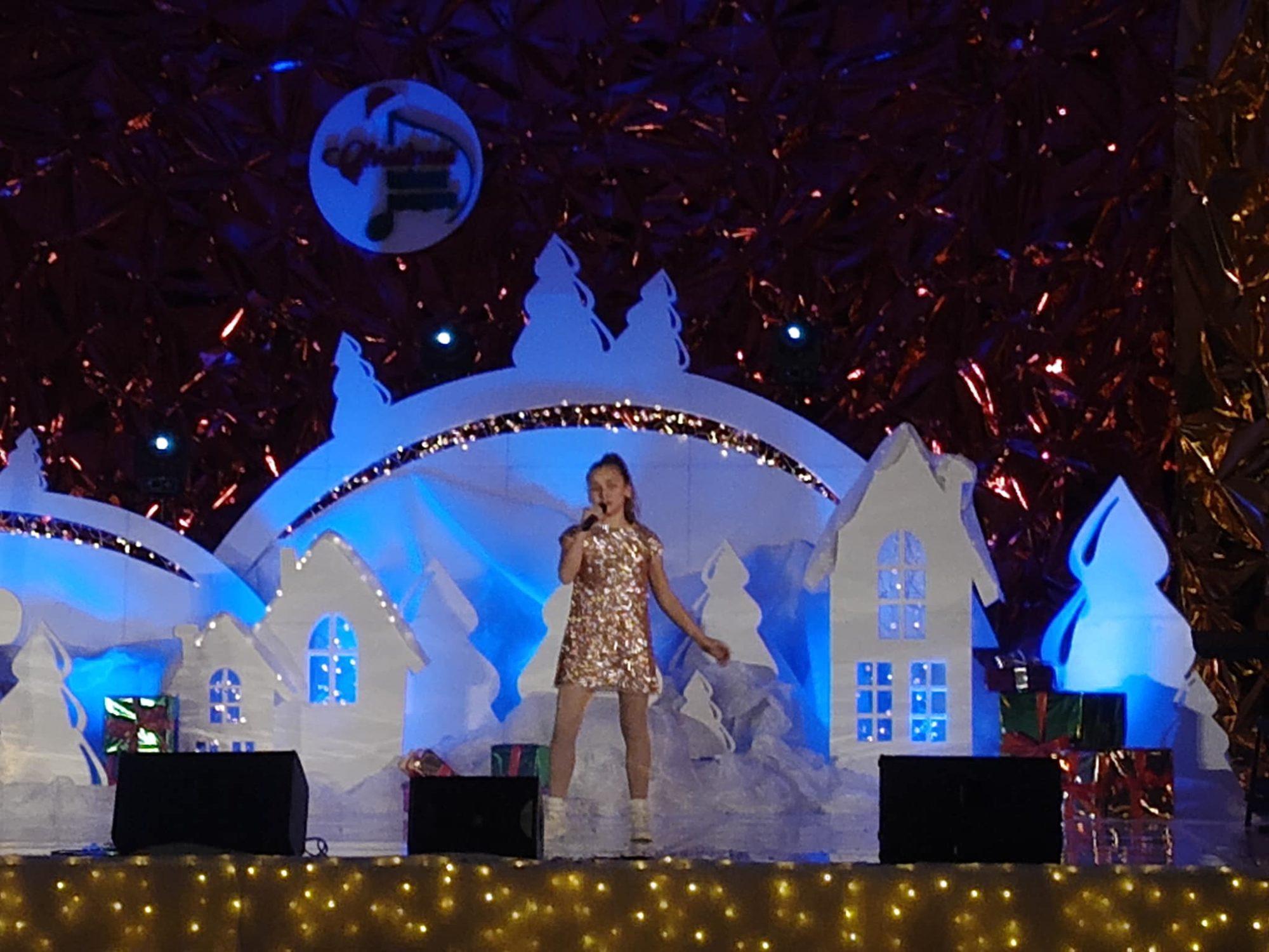 81651343_2613422482107267_8012007890049040384_o-2000x1500 Учениці білоцерківської школи мистецтв перемогли на міжнародному вокальному конкурсі