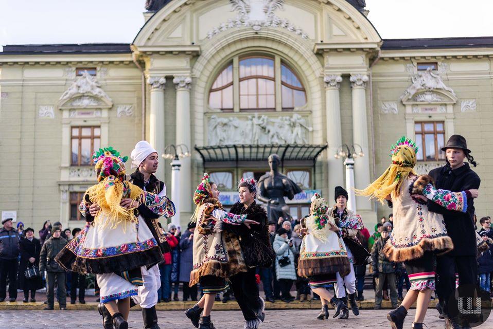 У Чернівцях відбувся VIII етнічно-фольклорний фестиваль Маланок, колоритні фото -  - 81720323 552062302066229 934660968955248640 o