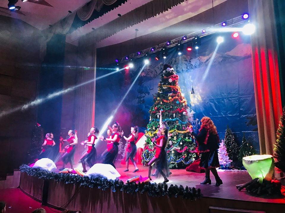 """""""Кольорові пригоди"""": в Броварах відбудуться новорічні вистави для дітей -  - 81967618 455240648720968 6044803810671460352 n"""