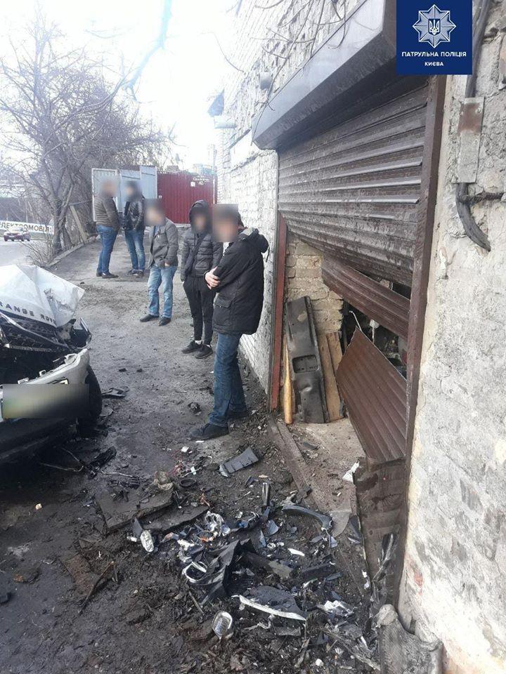 У Києві працівник СТО взяв покататися та розбив Range Rover клієнта (відео) -  - 82074071 621625315251209 7288769765730942976 o