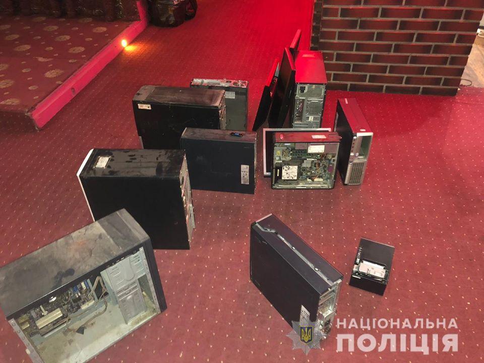 """Бориспілець """"здав"""" поліції нелегальне казино -  - 82637946 2743395679048920 464118937714425856 o"""