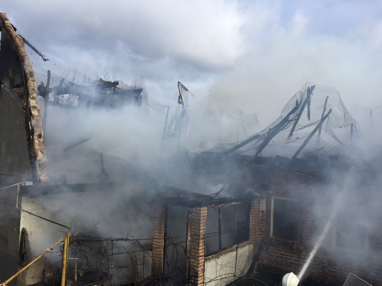 82657314_1238449063211462_8805464739632119808_o На Білоцерківщині загорівся будинок: родина з дітьми залишилась без даху над головою (ФОТО)