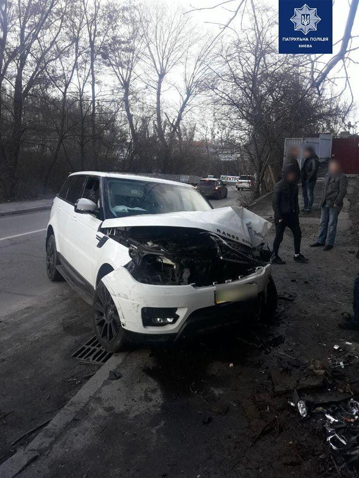 У Києві працівник СТО взяв покататися та розбив Range Rover клієнта (відео) -  - 83067577 621625301917877 2957190046785994752 o