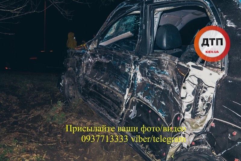 Унаслідок ДТП на Броварській трасі загинула жінка -  - 83476444 1560445354121352 43825330892308480 n