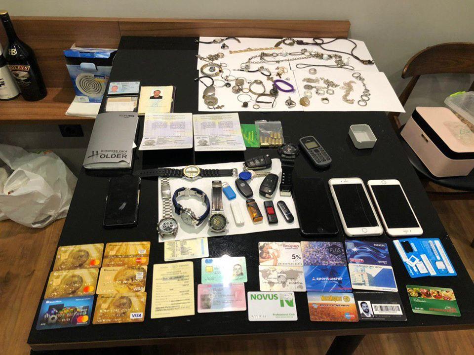 На Київщині поліція викрила банду, яка грабувала будинки -  - 83680896 2428478697369235 6844892592270737408 o