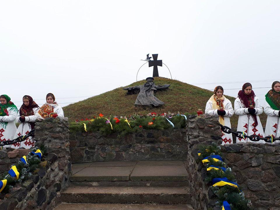 У Літках на Броварщині вшанували загиблих у 1918 році військових студентів -  - 83792365 611833659379916 4675909119671009280 o