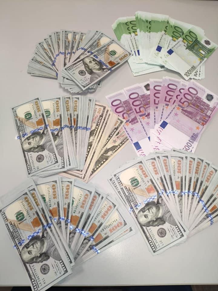 За січень 2020-го київські митники вилучили понад 2,2 мільйони гривень незадекларованої валюти -  - 84735781 2879110262149750 2151920813073235968 n