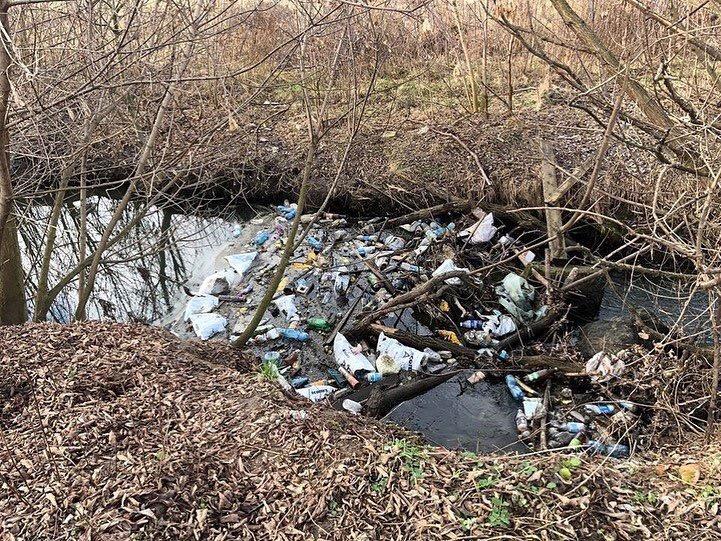 У Києво-Святошинському районі нищівно забруднюють річку -  - DC0B24F6 F62C 4ACB BAED BD6358B41EDE