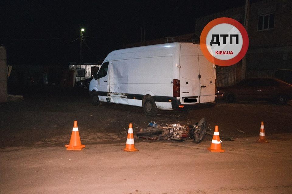 Goren-moto-11 Мотоцикл таранив вантажний Volkswagen: у Горенці травмувалися двоє хлопців