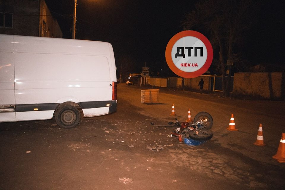 Goren-moto-4 Мотоцикл таранив вантажний Volkswagen: у Горенці травмувалися двоє хлопців