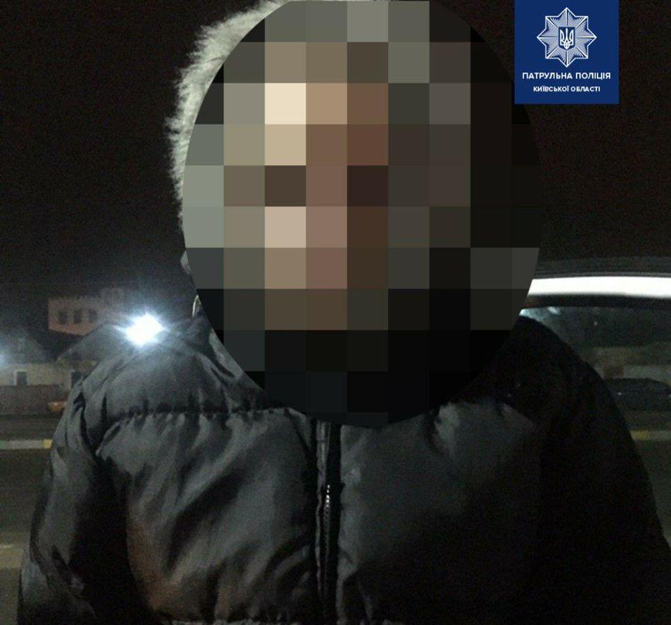 Gost-amfet-1 Амфетамін у пасажирки: в Гостомелі патрульні Чайок зупинили Daewoo за порушення ДПР