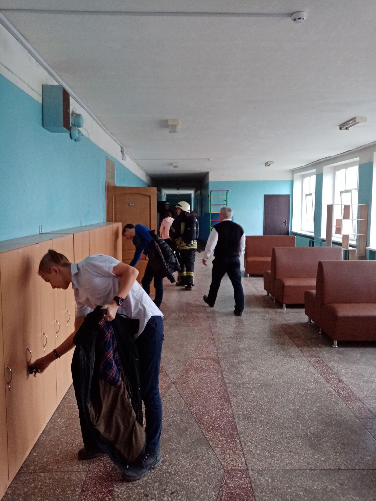 У Броварах евакуювали учнів та вчителів школи №2 -  - IMG 3ae15e01057c09d9482ec129d61f735e V