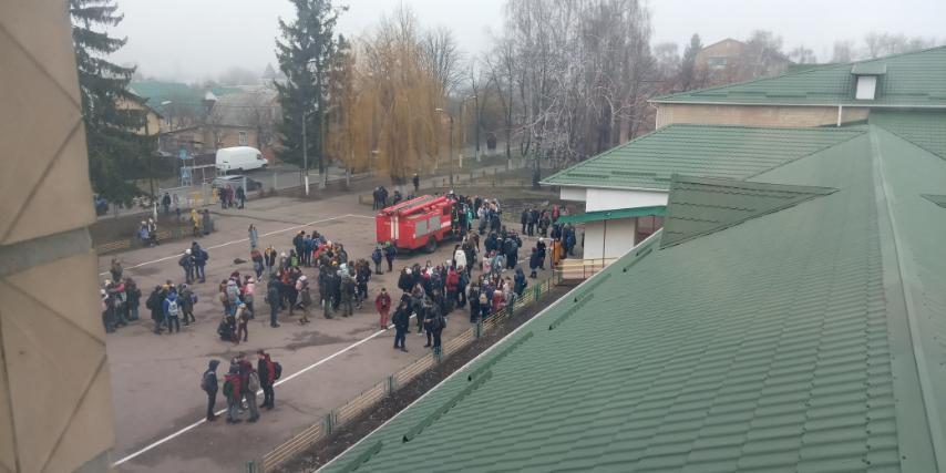 У Броварах евакуювали учнів та вчителів школи №2 -  - IMG 5aef14452435dfa1b0fc2eec0449b213 V