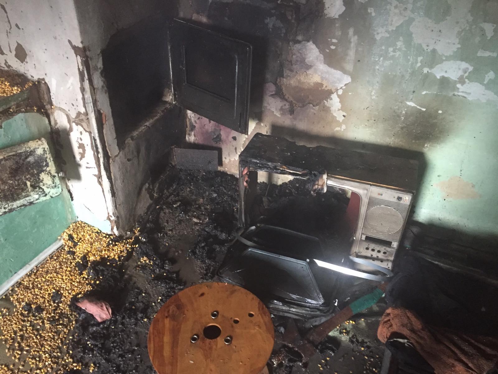 На Миронівщині ліквідували загоряння житлового будинку та господарчої будівлі -  - IMG 8c238d3ef7bf191d12d2da0a4ab03e19 V
