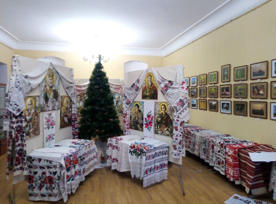 Хатні ікони та автентичні рушники: у Ворзелі триває цікава виставка - Приірпіння, Мистецтво, київщина, Ворзель - Ikonyrush 2