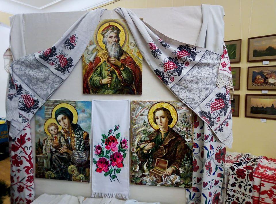 Хатні ікони та автентичні рушники: у Ворзелі триває цікава виставка - Приірпіння, Мистецтво, київщина, Ворзель - Ikonyrush