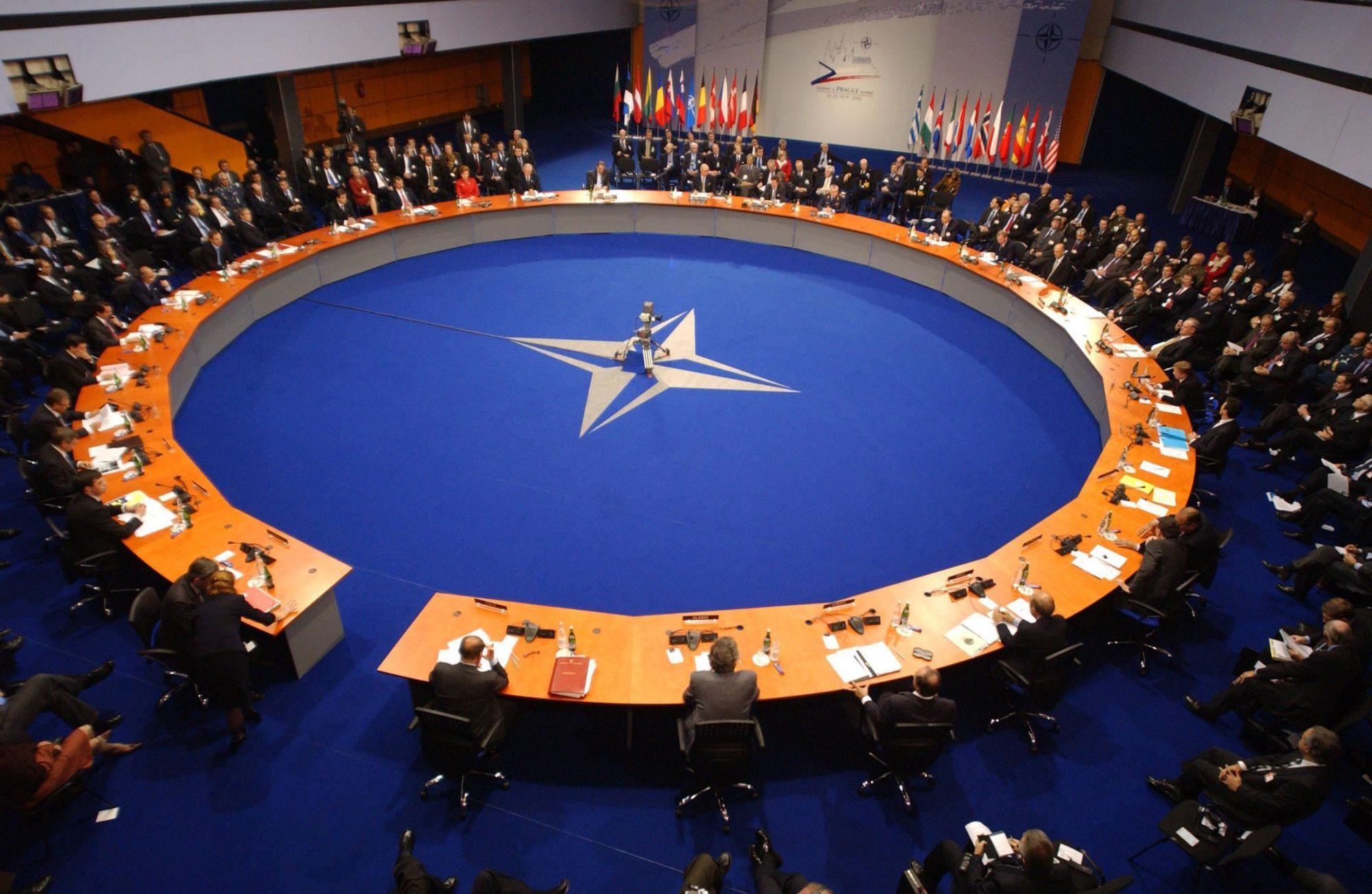 В Україні з'явився посібник з НАТОзнавства - Україна, посібник, онлайн, НАТО, навчання - QIjLYqtJcvUYw UTL6KQ5HZ4gpTRatkU 2000x1304