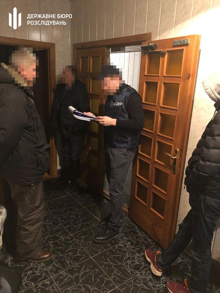 Начальника відділу Головного управління ДФС Київщини спіймали на хабарі - хабар, київщина, Київ, затримання, ДФС, ДБР - dbr2