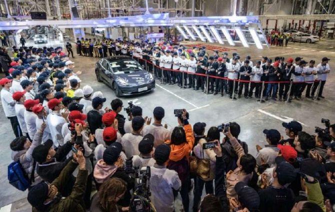 Tesla захоплює світ: розпочався продаж Model 3 китайського виробництва - електромобілі, Tesla - fvai
