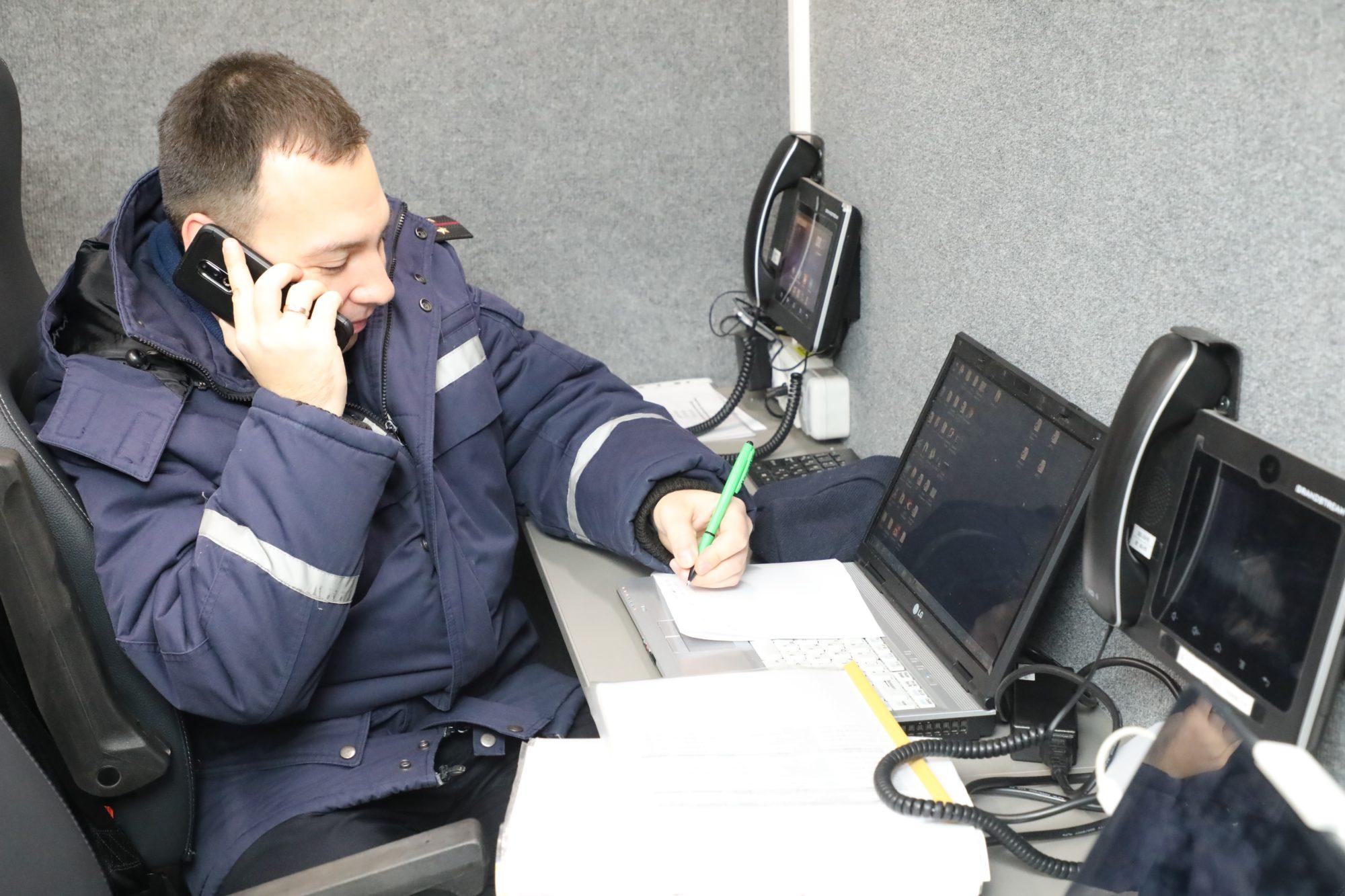 Напередодні Різдва українські рятувальники перейшли на посилений режим служби - рятувальники, ДСНС - iaiva 2000x1333