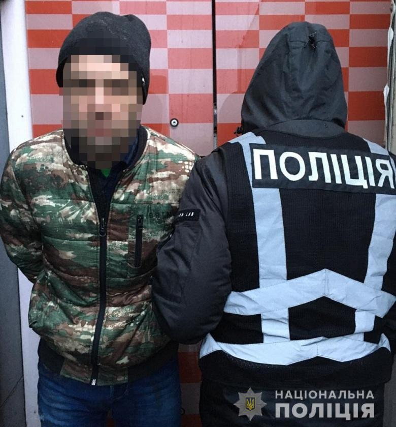 У Києві на Оболоні затримали квартирних крадіїв -  - obolkvartkrad2401203