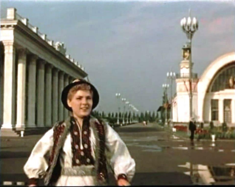 «Пісня про рушник» уперше прозвучала на даху вагона -  - rushnyk5