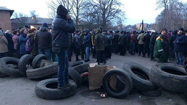 Українці не підтримують протестувальників у Нових Санжарах – результати опитування