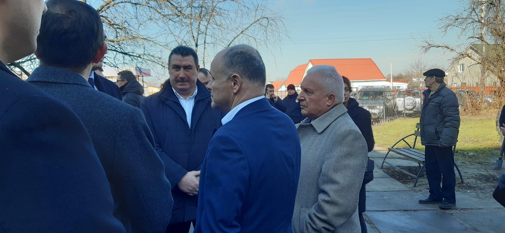 20200219_104027-2000x924 Чому президент Зеленський приїжджав в Бориспіль