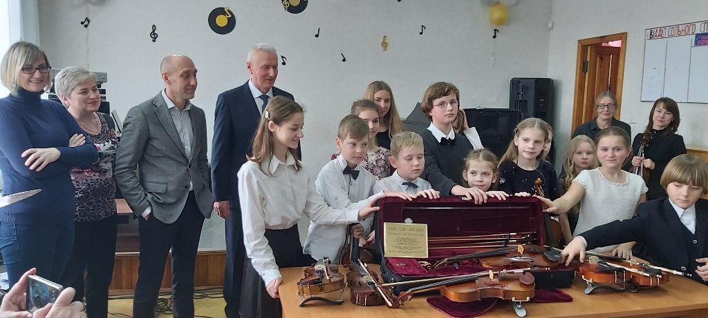 Бородянській музичній школі подарували унікальну 100-річну скрипку - музична школа - 28 skrypka