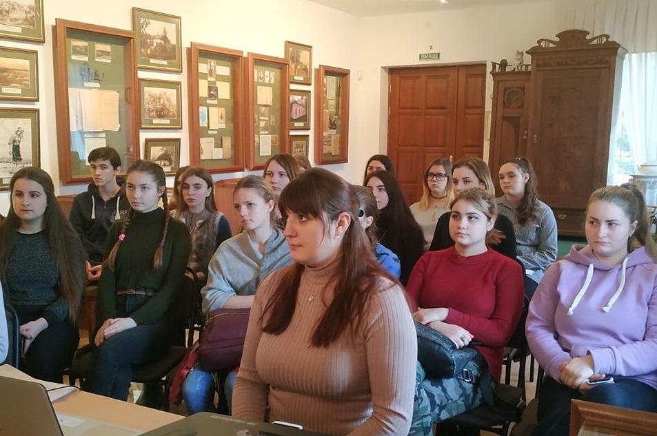 Школа музейного екскурсовода у Ржищеві