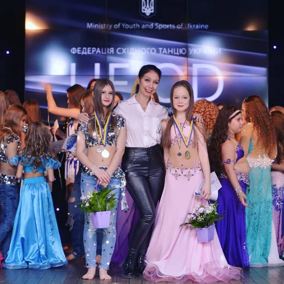 84958984_710074809522196_677854051009822720_n Танцівниці східного танцю з Українки перемогли на престижних змаганнях