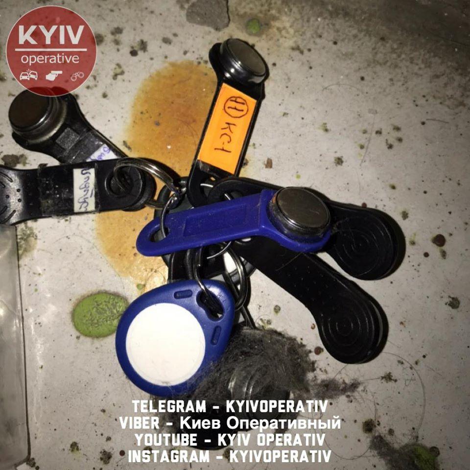 87214901_929419704120783_5920954949767790592_o У Києві люди зв'язали скотчем грабіжника (відео)