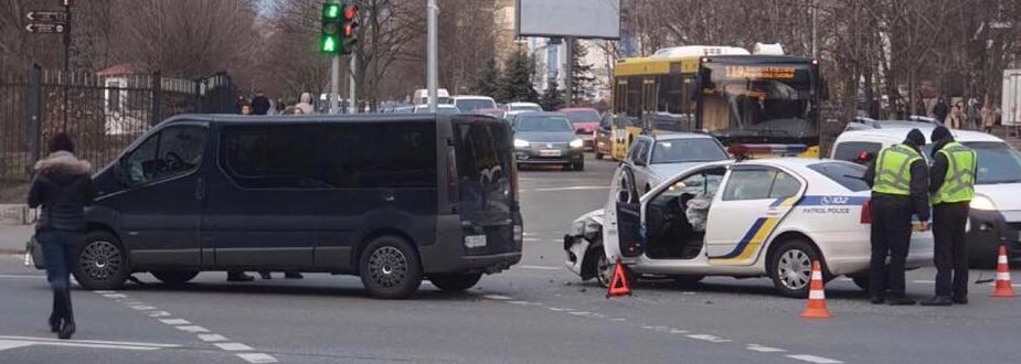 87868926_930585634004190_4629964054914400256_n Столичні патрульні поліцейські потрапили в ДТП
