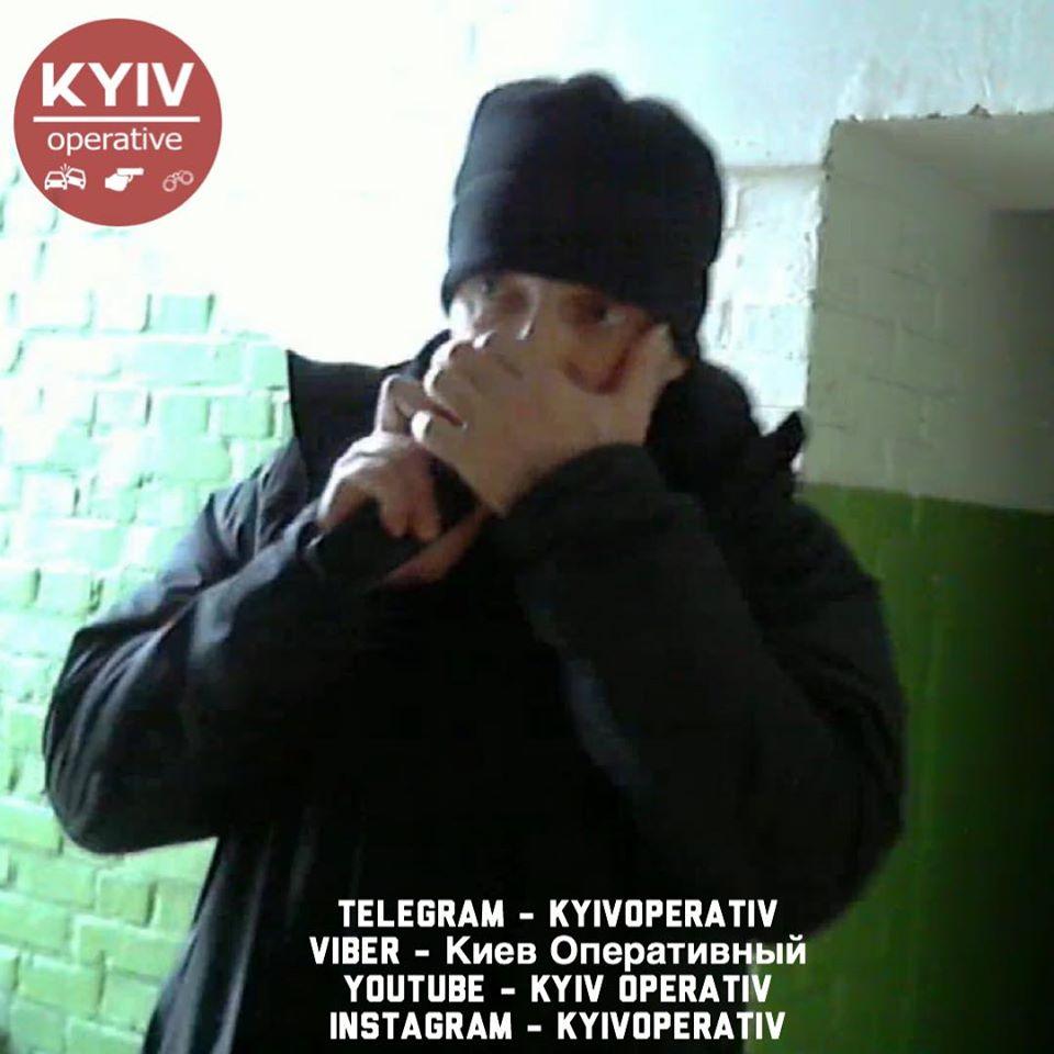 87932227_929419697454117_7089423072050020352_o У Києві люди зв'язали скотчем грабіжника (відео)