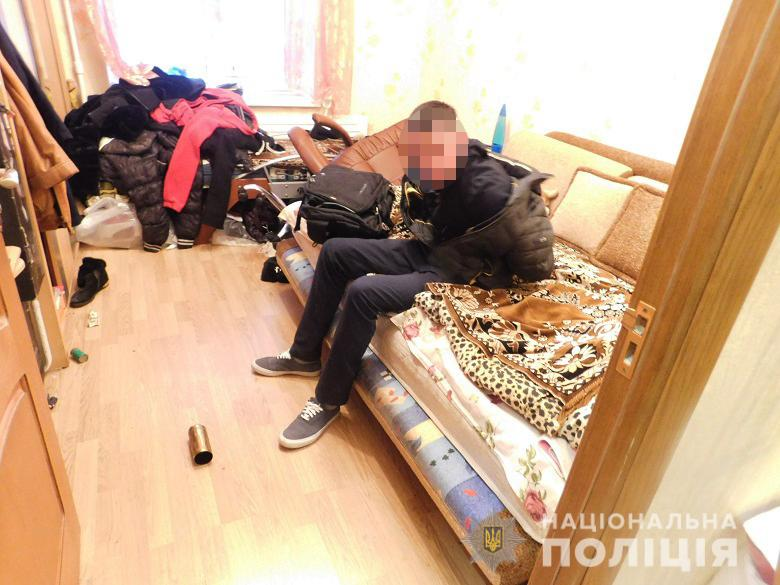 """87975526_543270946294637_856574984590458880_n В Оболонському районі Києва """"на гарячому"""" затримали квартирних злодіїв"""